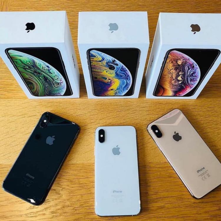 Apple iPhone Xs MaxPlaystation 4 Pro Whatsapp +16137065737